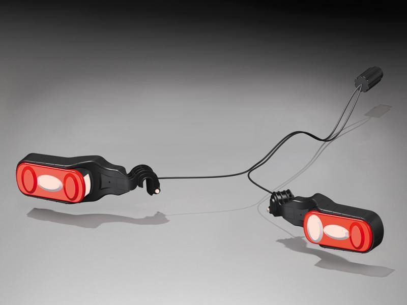 uebler r ckleuchtenset mit leuchtenschutz x21 x31. Black Bedroom Furniture Sets. Home Design Ideas